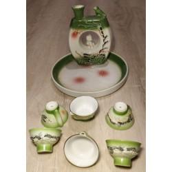 Ensemble service à saké...
